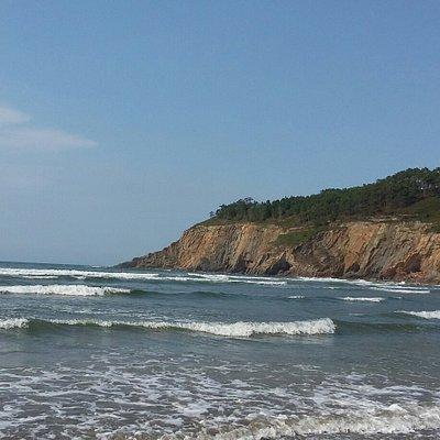 Playa  de Cueva y senda de acero  desde  hotel  Canero