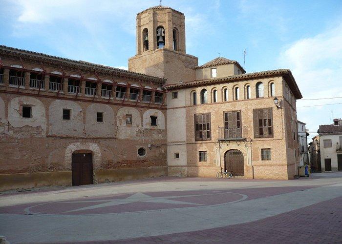 La plaza de San Miguel con su iglesia