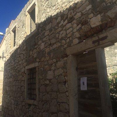 Antica abbazia benedettina nel villaggio antico di Susak