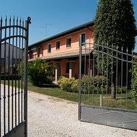 Azienda Vini De Lorenzi