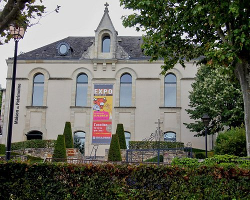 Former convent now exposition space.
