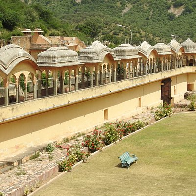 Chhatri, Raj Niwas Garden