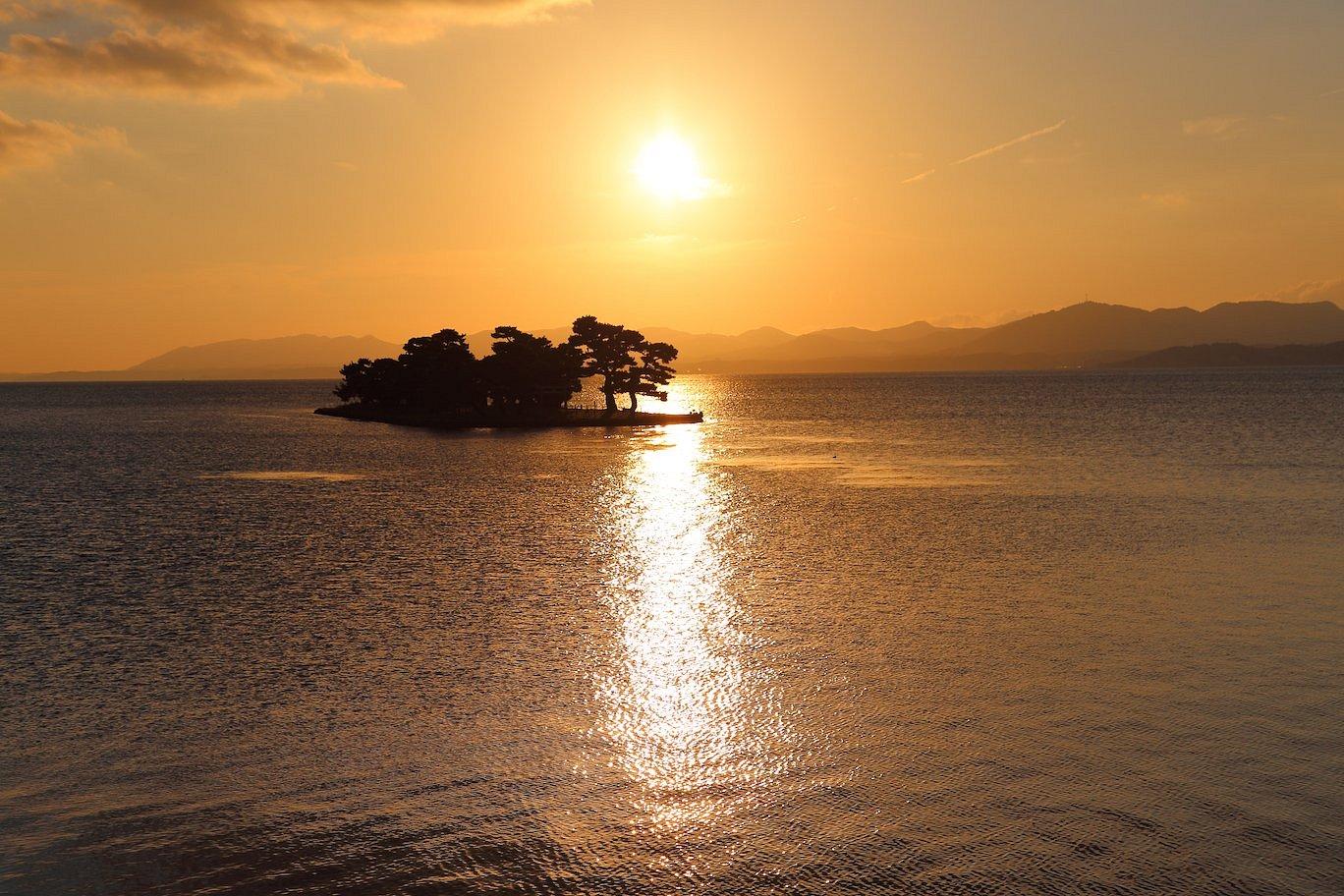 嫁ヶ島に沈む夕日