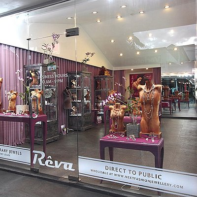 Reva, the shop in Seminyak
