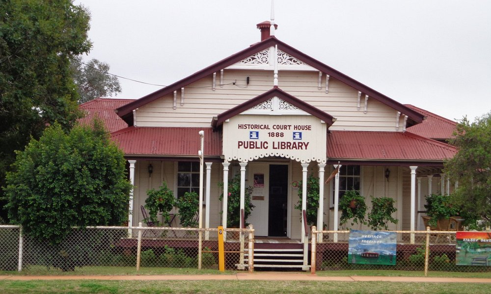 Tambo Visitor Information & Public Library
