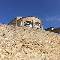 Décor à l'occasion de l'exposition d'art: la chapelle regarde SETE