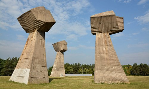 The 3 fists monument