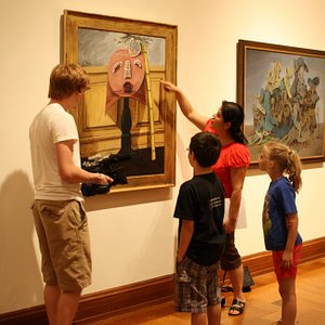 Students visit the museum and explore the world of art