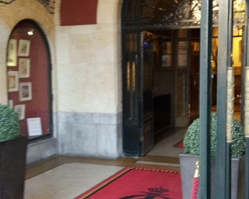red carpet treatment, inside and out!