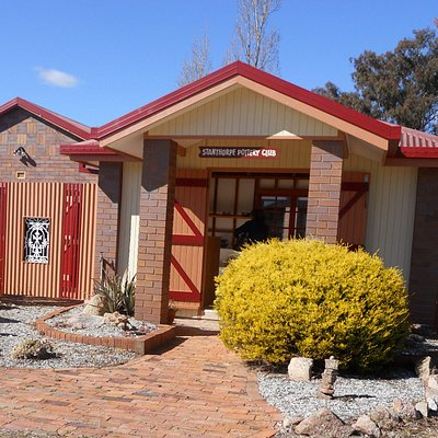 Stanthorpe Potter's Gallery Open every Sunday 10am -1pm