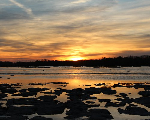 sunset on the Maumee River from Otsego Overlook