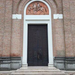 Entrada da bela igreja de Campodarsego