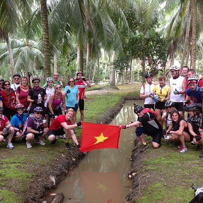 Experience the real Vietnam by bikes