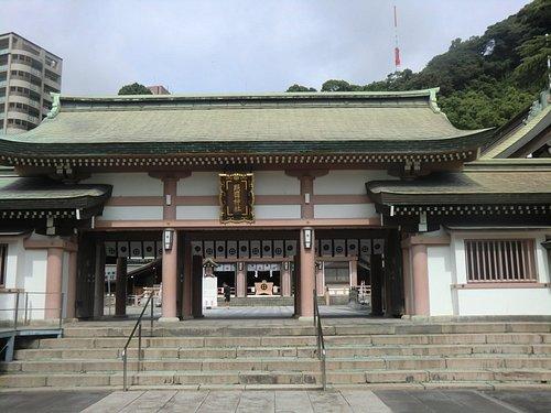 神門から見た拝殿