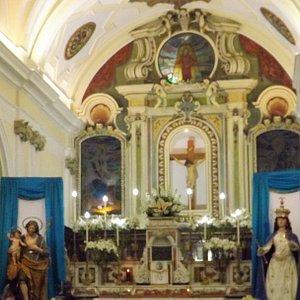 interno della chiesa,