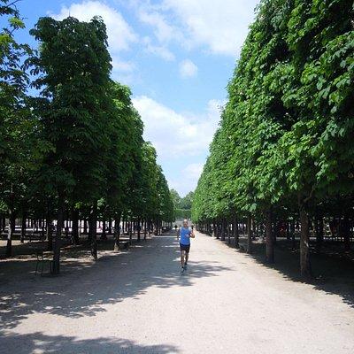 RunParis.fr Free Paris Running Tour