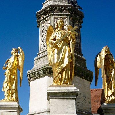 Elegant monument