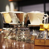 We also serve the coffee by hand-drip