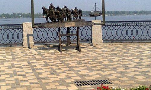 Скульптура на набережной, Самара