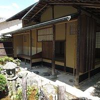 男山にあった閑雲軒の古図をもとに再建された茶室(閑雲軒)
