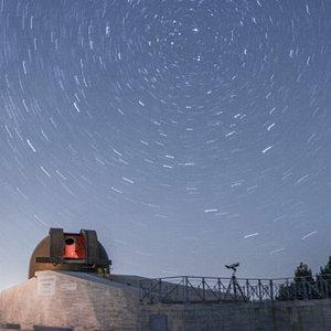 Foto notturna dell'Osservatorio Astronomico di Montedoro