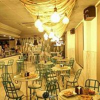 Pause Vintage Café