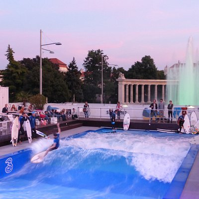 Wien City Surfspot am Schwarzenbergplatz