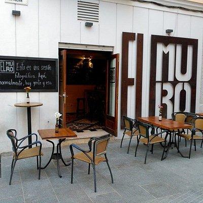 Terraza muy agradable en una calle peatonal y tranquila del centro de Málaga