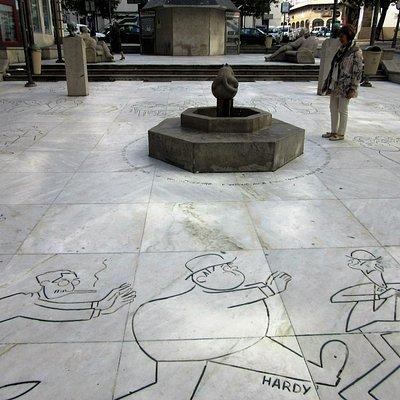 Perspectiva de la plaza. Plaza del Humor