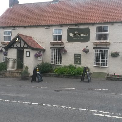 The Highwayman, Sheriff Hutton. Home cooked food, Cask ales & A warm welcome await