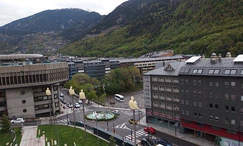 Vista desde la plaza dela Vall hacia abajo