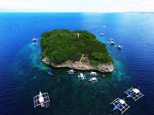 Pescador Island in Moalboal