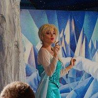 Elsa di Frozen.