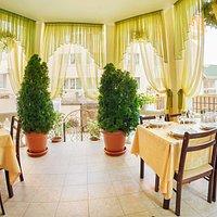 restaurant.jpg?w=200&h=200&s=1