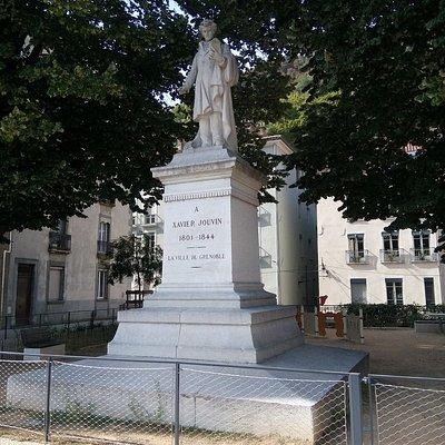 Stèle de Xavier Jouvin, gantier