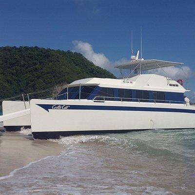 Costa Cat arriving at Tortuga Island