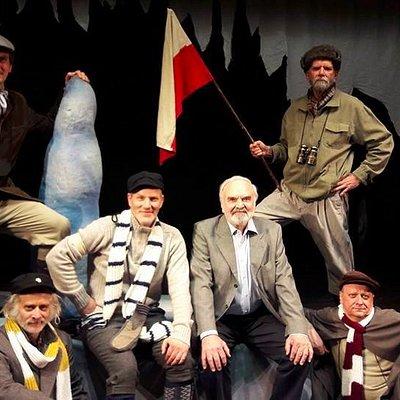 The cast of the North Pole with the author Zdeněk Svěrák at the Zizkovske Theater Jary Cimrmana