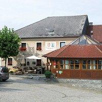 Gasthaus mit Wintergarten