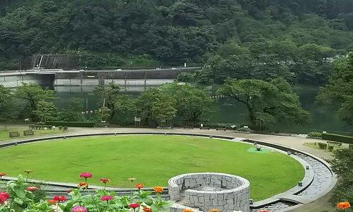 津久井湖観光センター