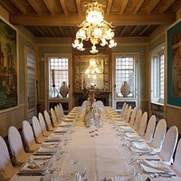 Tavolo imperiale in Villa Maggi Ponti Hotel Julia