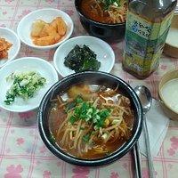 소고기국밥 한상 차림, 봉하쌀막걸리와 함께