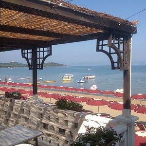 Terrazza ristorante al mare