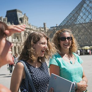 """Families love our """"The French Revolution: A Murder Mystery Tour"""" walking tour!"""