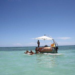 Apéro et barbecue en pleine mer à bord du Donuts BBQ Boat
