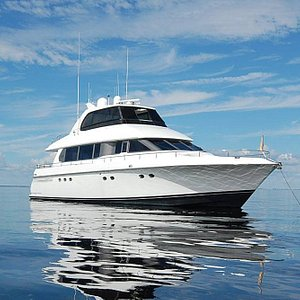 The Fiesta Forever, 76' Lazzara Yacht—Available for Charter
