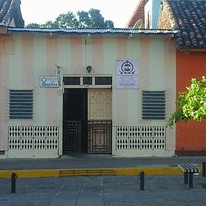 One On One Tutoring Spanish School Perfil located on Calle La Calzada Granada Nicaragua