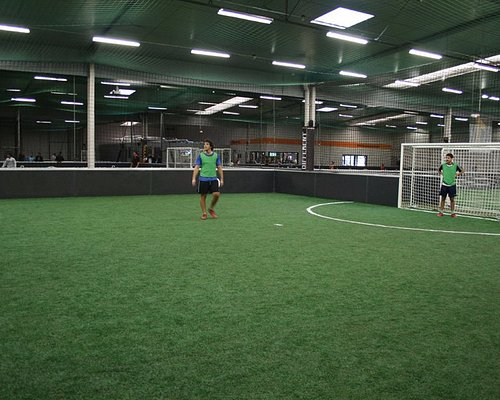 Terrain de foot à 5 indoor - UrbanSoccer Bordeaux -Mérignac