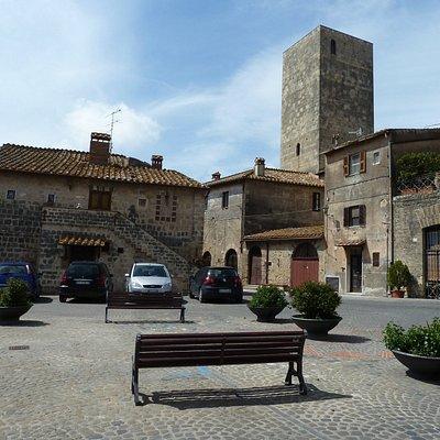 Chiesa di San Martino-Piazza S Martino mediaeval buildings