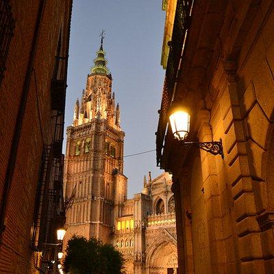 Torre de la Catedral al anochecer