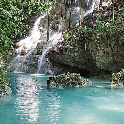 Summerset Falls Portland. Nestled in the lush hills of Hope Bay Portland is this beautiful cool